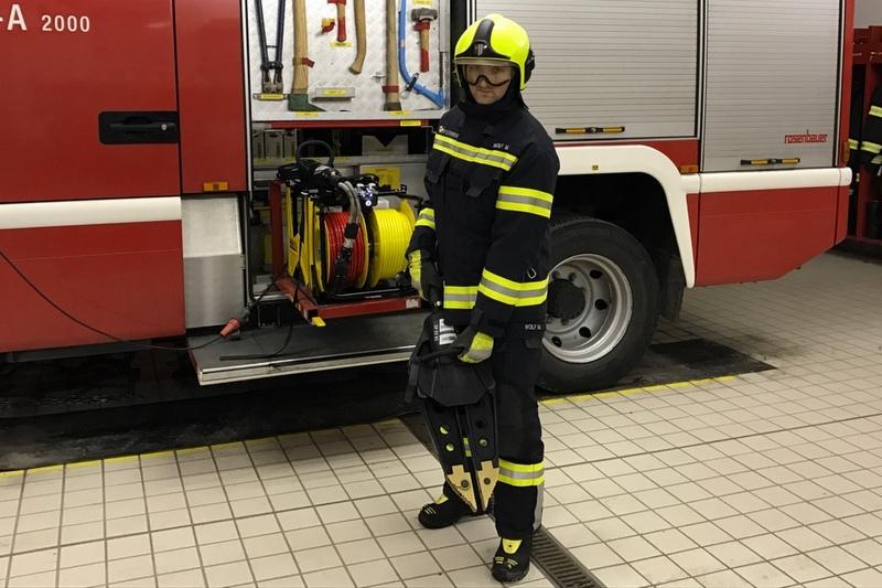 Wolf Martin mit dem hydraulischen Rettungsgerät - Spreitzer