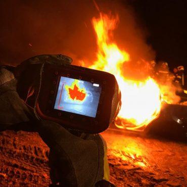 Fahrzeugbrand: Übung unter realistischen Bedingungen